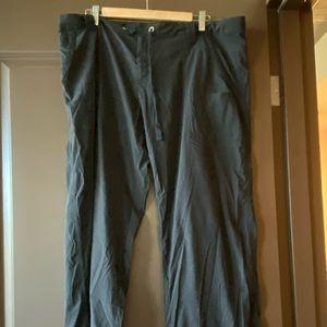 Lucy black active cargo pants — short size XL